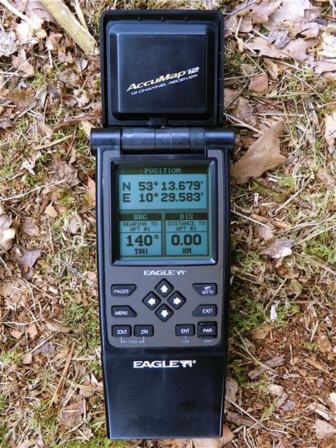 Amazon. Com: magellan gps 320 2. 2-inch portable gps navigator: cell.